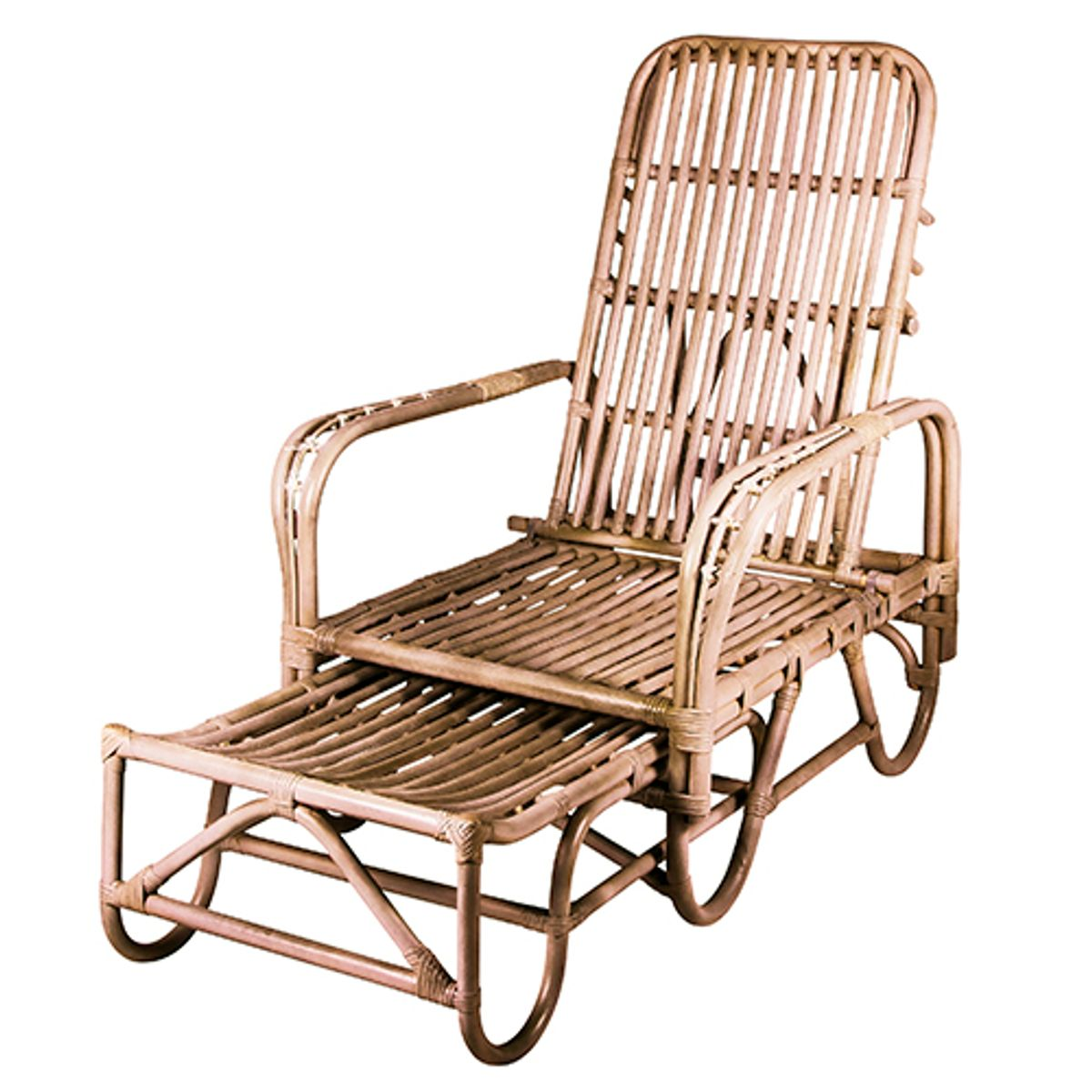 Chaise longue bain de soleil en rotin naturel alona broste decoclico - Chaise longue en rotin ...
