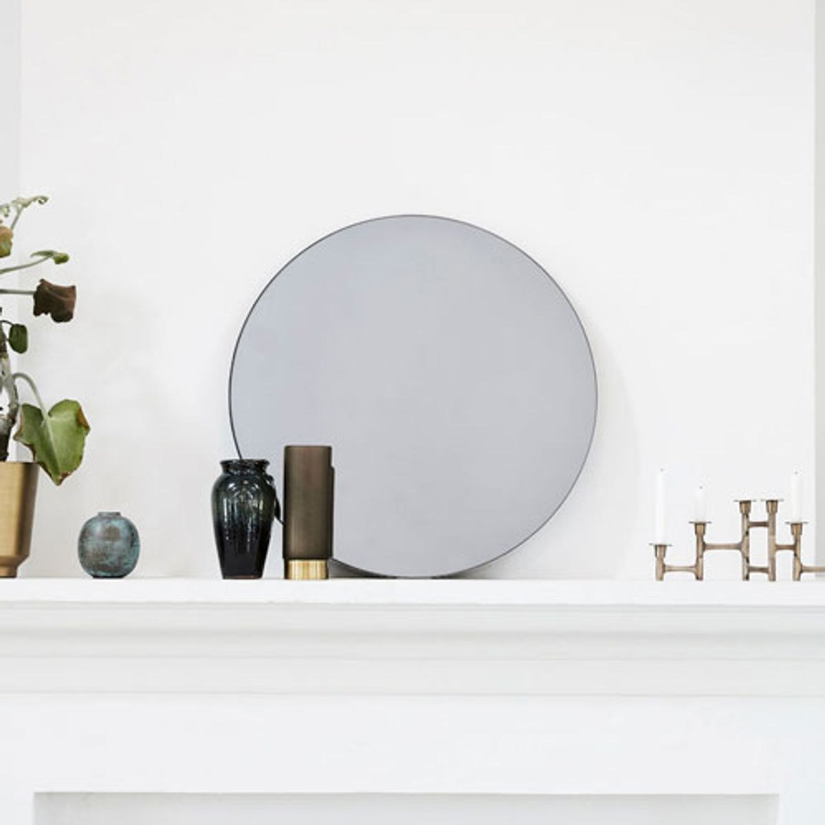 Miroir rond en verre gris d50 cm walls house doctor for Miroir house doctor