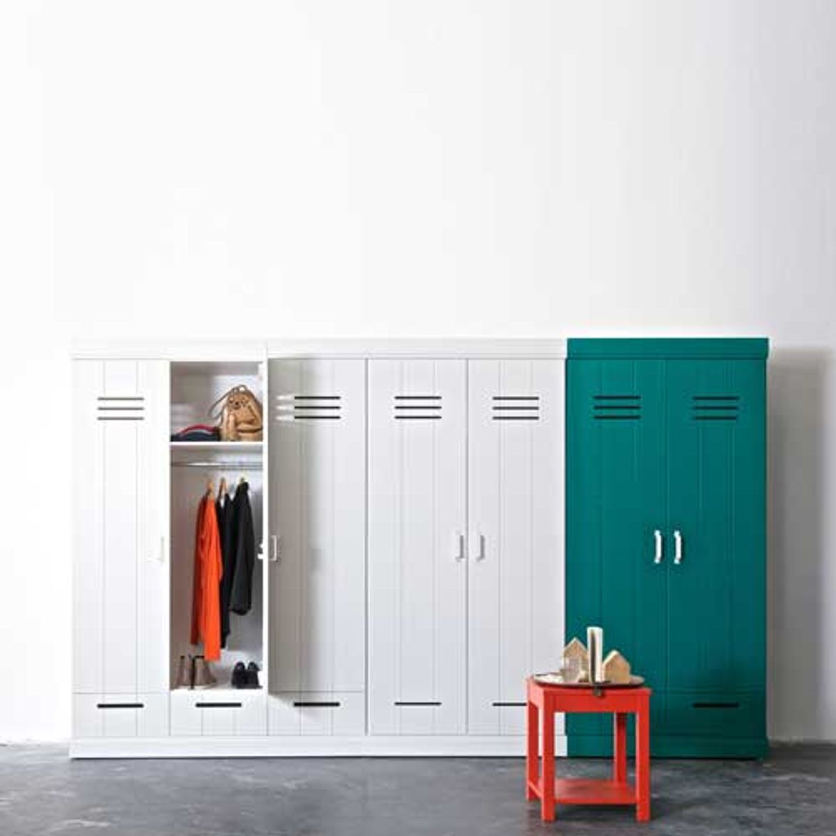 armoire penderie en pin blanc 2p tag res et tiroirs connect m tal decoclico. Black Bedroom Furniture Sets. Home Design Ideas