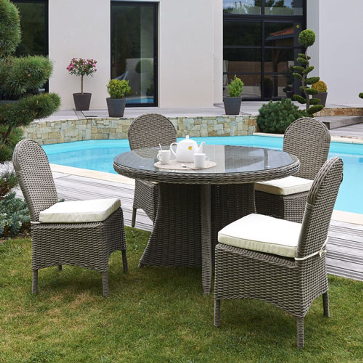 table et chaise de jardin en resine tressee elegant table jardin ronde resine tressee id es d. Black Bedroom Furniture Sets. Home Design Ideas
