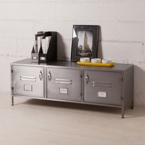buffet bas meuble tv en m tal gris 2 portes casiers style industriel decoclico f decoclico. Black Bedroom Furniture Sets. Home Design Ideas