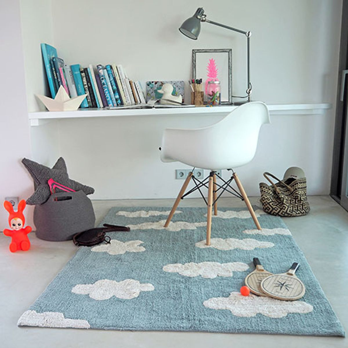 tapis enfant en coton motif nuage clouds lorena canals. Black Bedroom Furniture Sets. Home Design Ideas
